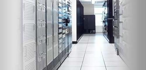 Compare virtual hosting with dedicated server hosting