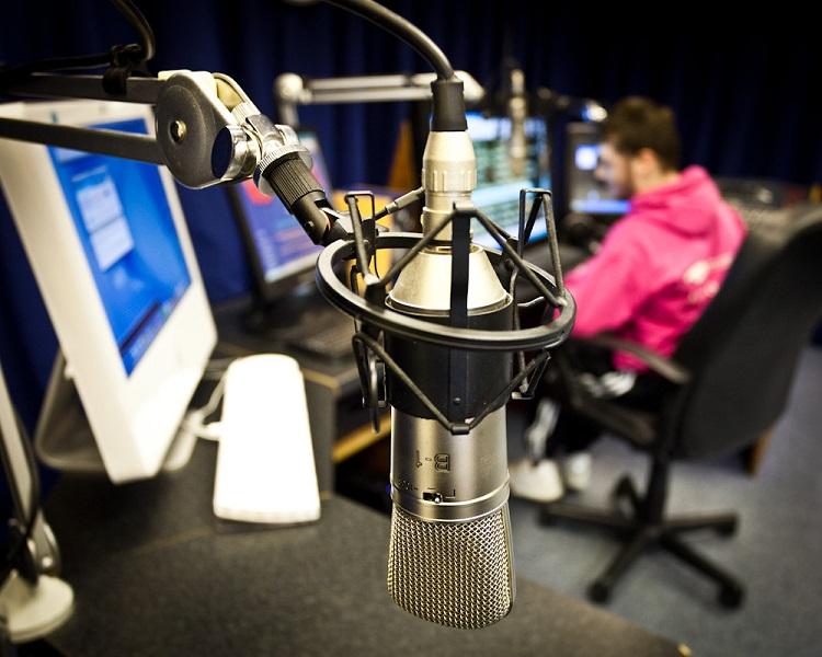 broadcasting on radio